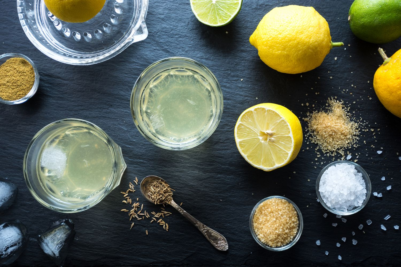Zitronensaft, Zitronen, Salze, Zucker, Gewürze